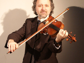 Peter Kostadinov, housle