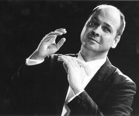 Portrait of a conductor: Florian Merz